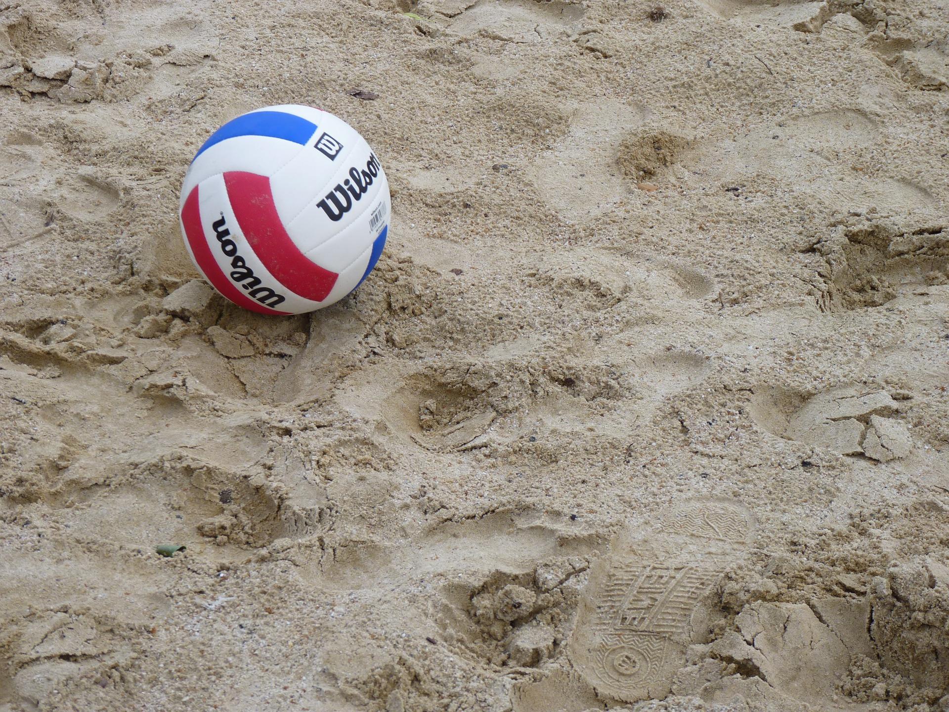 Plażowa piłka siatkowa